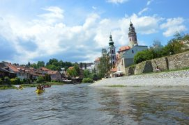 Kanutour Moldau- Moldau Ufer- Cesky Krumlov
